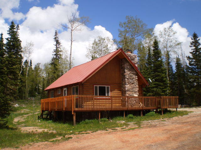 gorgeous cabin ebookers cabins y families head perfect travel for guide accommodation large com sleeps brian aacabins